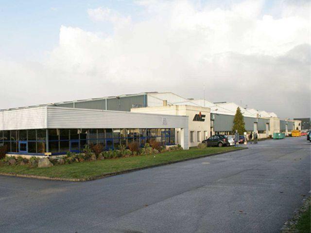 Vente ou location b timent de type industriel de 15 000 m2 for Cout batiment industriel m2
