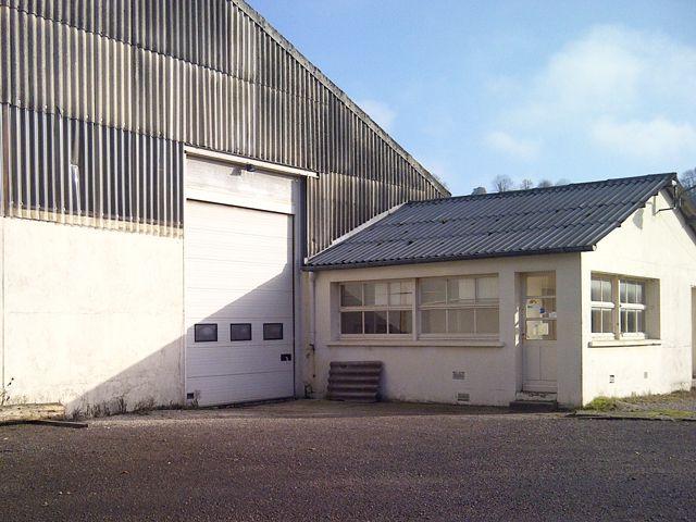 Vente ou location b timent de type industriel de 220 m2 for Cout batiment industriel m2