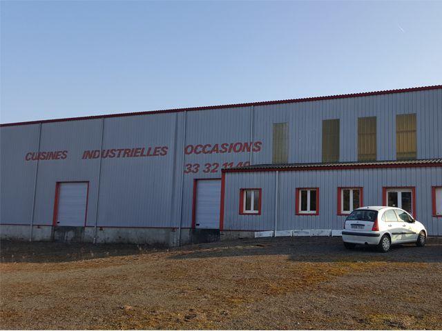 Vente ou location b timent de type industriel de 1 200 m2 for Cout batiment industriel m2